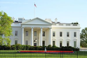 2016-05-15_WhiteHouseNorth_1024px-1122-WAS-The_White_House